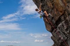Rasmus Johansson klättrar Salt sill, 7c. Högklint - Finnsvedsbergen